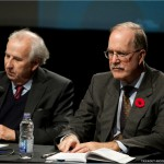 Messieurs Bernard Descôteaux et Graham Fraser, anciens collègues à la tribune de la presse à Québec du temps du gouvernement Lévesque.